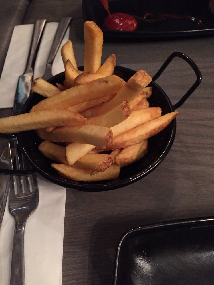Homestyle Fries mit Trüffel-Sour-Cream